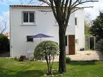 http://www.enova-vacances.com/photos/515/location/MAIS%20546/54%20Rue%20de%20la%20Marcelière%2002.jpg