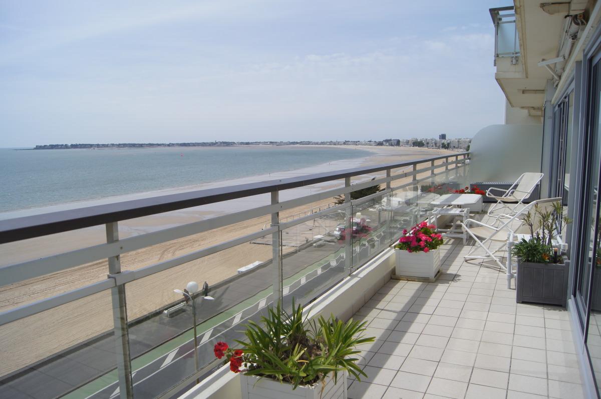 Appartement 70 m2 locations de vacances la baule 44500 for Location garage la baule