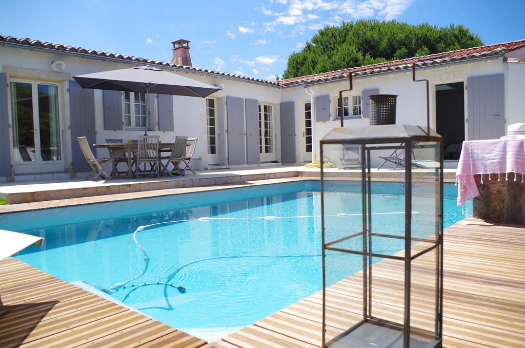 Amenagement comble ile de france for Location villa piscine ile de france