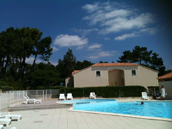 Location de vacances saint jean de monts saint hilaire for Piscine st jean de monts