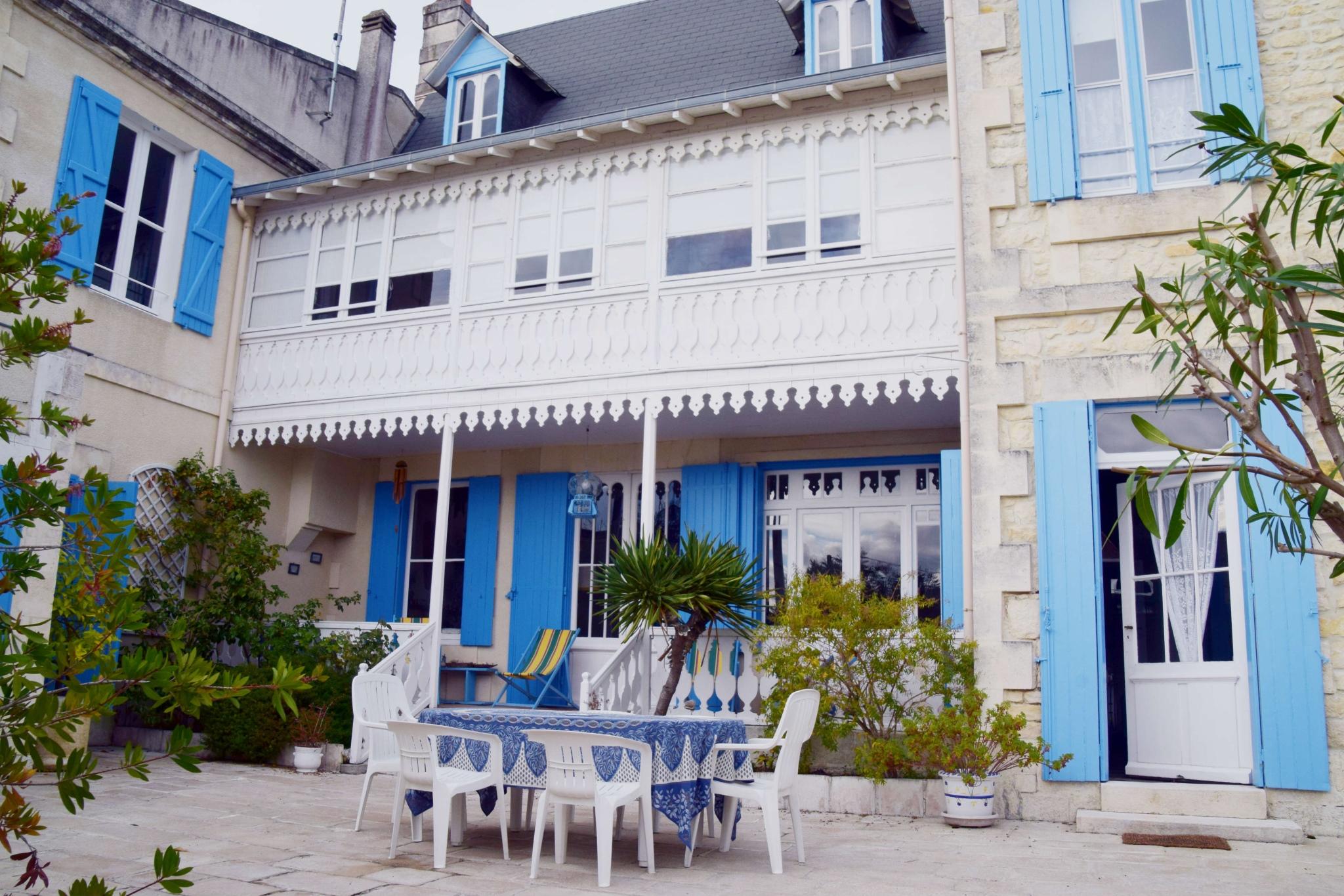 Location maison ronce les bains square habitat for Location maison yverdon les bains