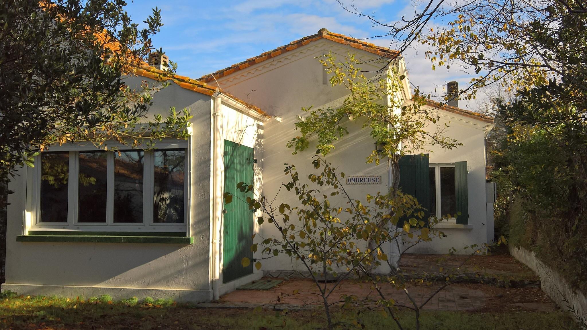 Location villa ronce les bains square habitat for Location maison yverdon les bains
