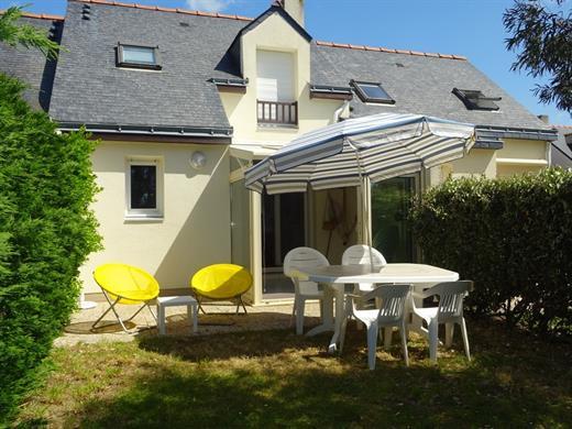 Maison de vacances dans résidence avec piscine et tennis