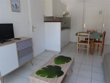 Agréable pied à terre pour 3/4 personnes en RDC d'une petite résidence en centre ville de La Tranche-Sur-Mer