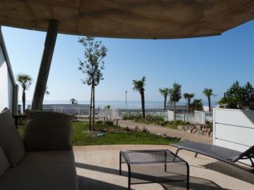 Font de mer plage centrale, dans résidence de standing à la Tranche-Sur-Mer avec piscine, jacuzzi et accès direct plage