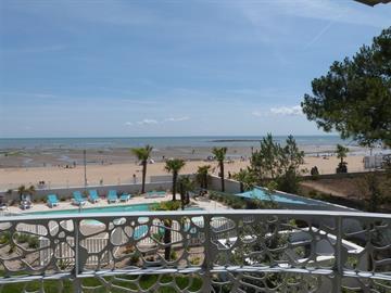 VUE MER ! Appartement 4/6 pers tout confort dans résidence avec piscine, jacuzzi et accès direct plage centrale