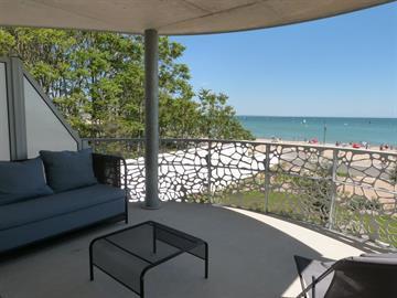 En Front de mer, neuf et tout confort dans résidence avec piscine, jacuzzi et accès direct plage centrale la Tranche