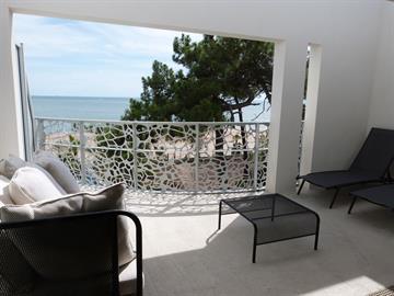 Font de mer, plage centrale, dans résidence de standing à la Tranche-Sur-Mer avec piscine, jacuzzi et accès direct plage