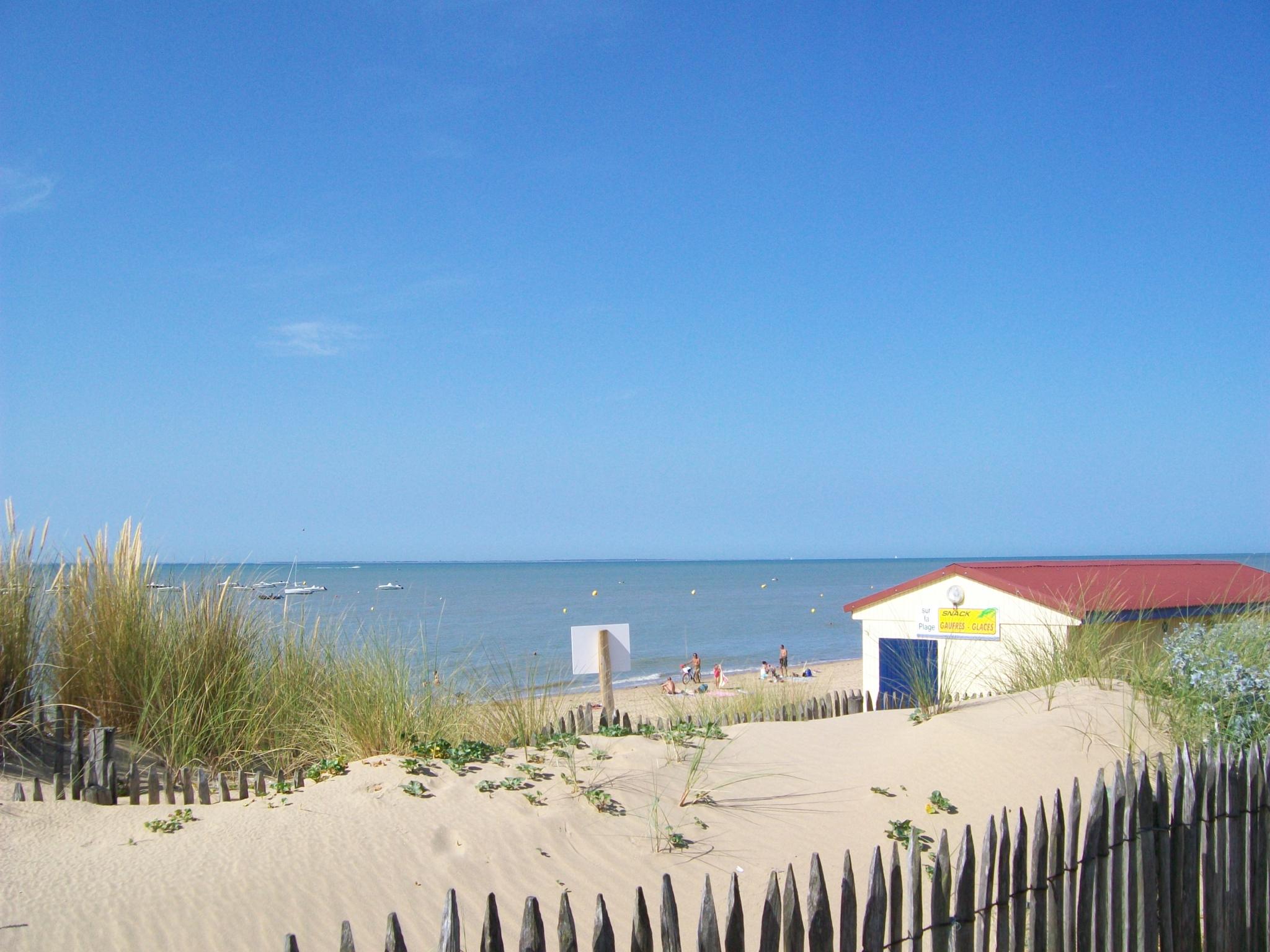 Location vacances la tranche sur mer appartement la for Garage peugeot la tranche sur mer