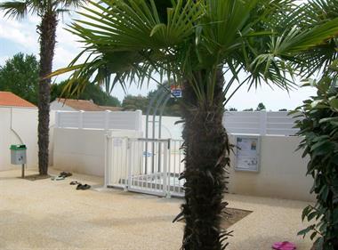 https://www.enova-vacances.com/photos/687/location/APPA%20LT0040/100_4332.jpg