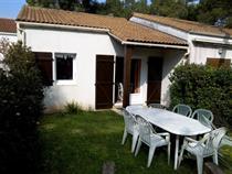 https://www.enova-vacances.com/photos/687/location/APPA%20LT0189/extérieur.jpg