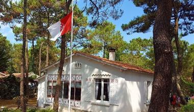 https://www.enova-vacances.com/photos/687/location/MAIS%20BF/23070172a.jpg