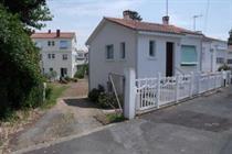 https://www.enova-vacances.com/photos/687/location/MAIS%20LT0013/13b.jpg