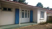 https://www.enova-vacances.com/photos/687/location/MAIS%20LT0072/1%20vue%20exterieure.jpg